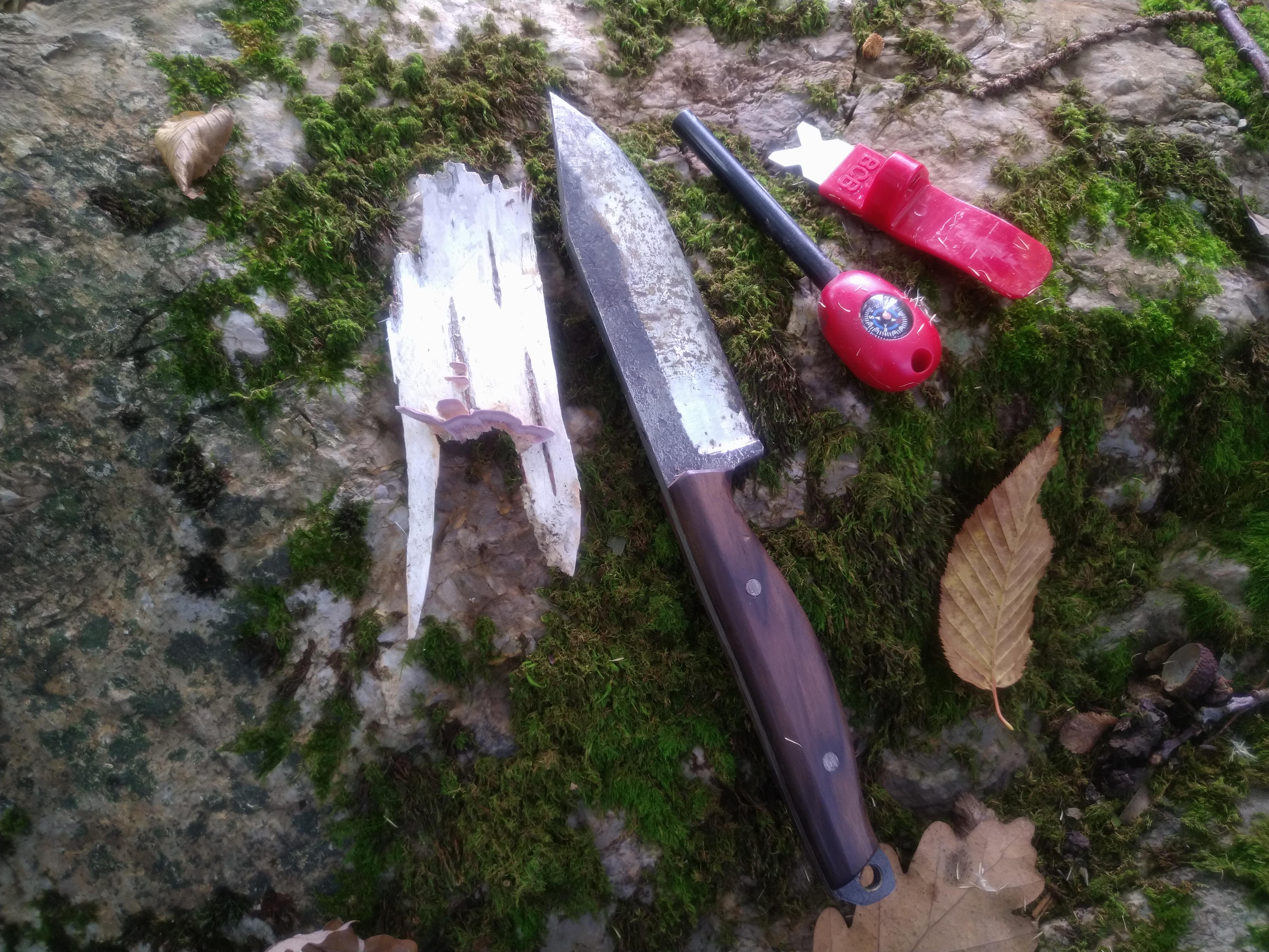 B33 army shop - ročno kovani noži, outdoor nož, vsestranski nož, bushcraft nož, trgovina z vojaško opremo, vojaška trgovina